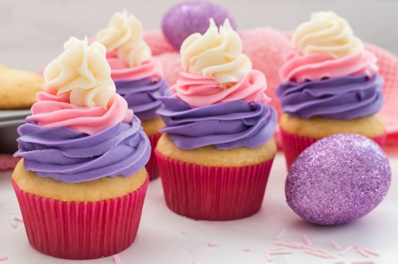 syntagh-zaxaroaloifh-xrwmatista-cupcakes